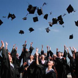 40 célébrités devenues riches sans école, sans diplôme et sans longues études